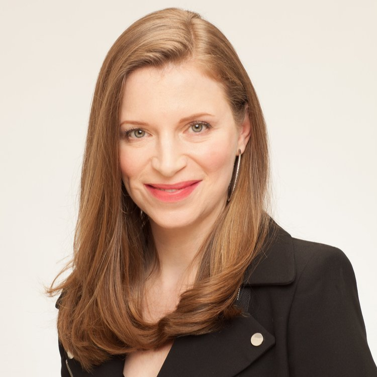 Alicia rosanne headshot 2018 website